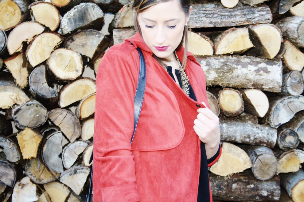 huguette-paillettes-couture-paletot-londres-suedine-8