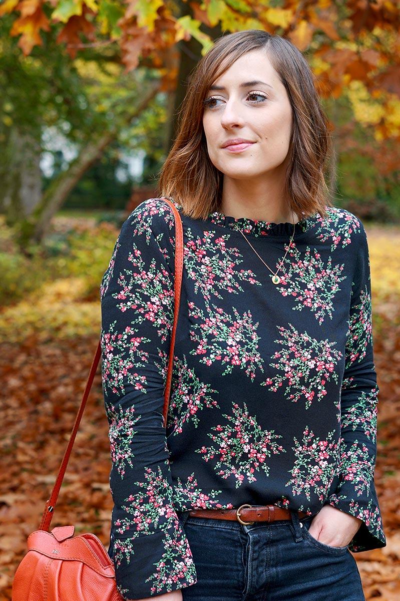 Huguette Paillettes | Couture | Blouse Esquisse de Ma Petite Garde Robe tissu viscose fleurie Makerist